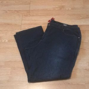 NWT Avenue Tall Straight Jeans